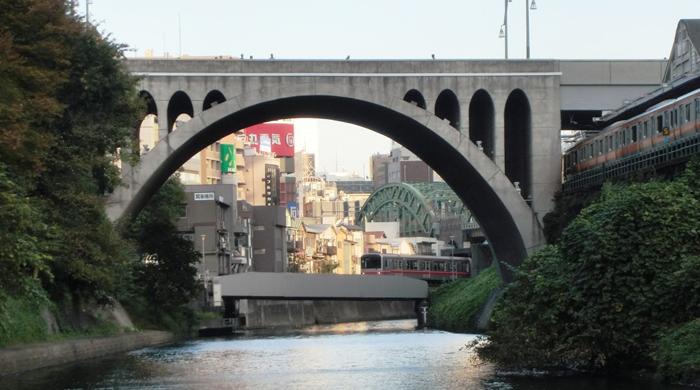 日本橋発神田川クルーズ 聖橋中央線丸の内線